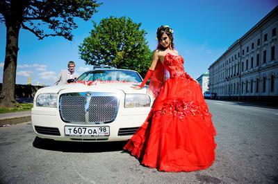 Красное платье на свадьбу. Преимущества и недостатки!
