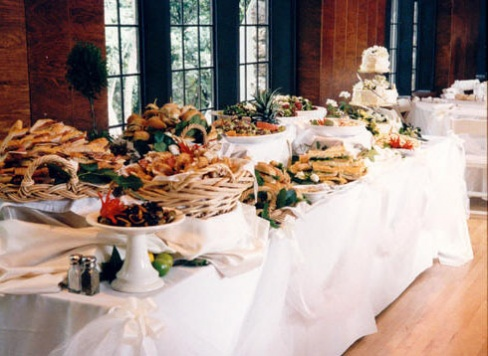 Разнообразие свадебного стола