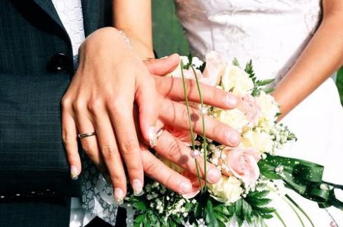 Сколько лет со дня свадьбы минуло?