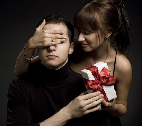Что подарить любимому? Универсальные подарки