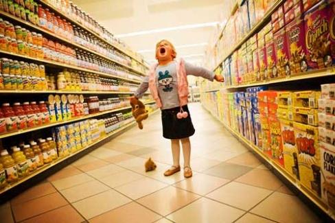 «Купи мне!» или. Как справиться с истерикой у ребенка