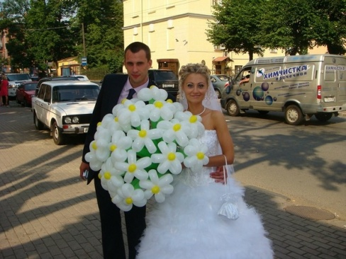 Украшения на свадьбу: цветы из воздушных шаров
