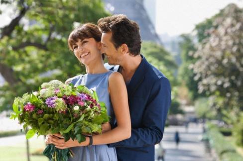 Цветы для любимой девушки. Что нужно знать при выборе этого подарка?