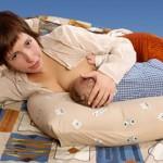 Позы для кормления ребенка грудным молоком