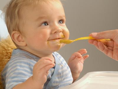 Детское питание: что можно, а что нельзя? Полезные советы молодым мамочкам