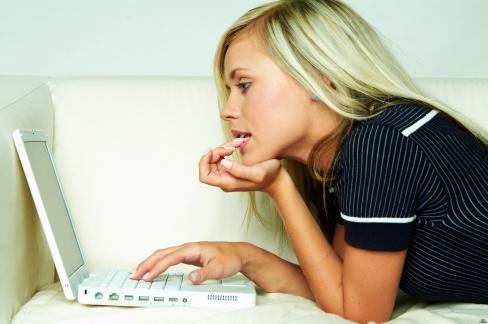 Знакомство через интернет. Советы для девушек
