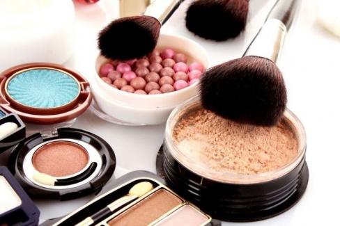 Косметика для салонов красоты в повседневной жизни