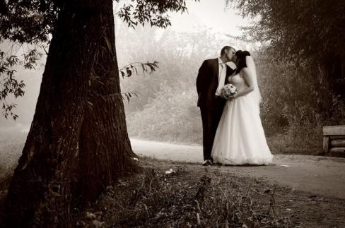 Свадебная видеосъемка в черно-белом стиле