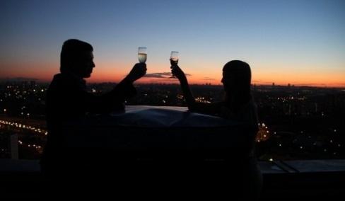 Оригинальное свидание на крыше