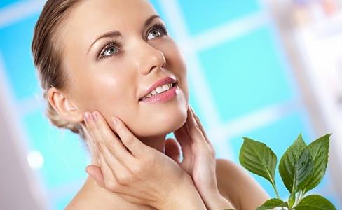 Готовимся к весне: чистка кожи лица в домашних условиях и как вывести веснушки