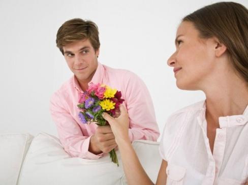 Как правильно дарить цветы?