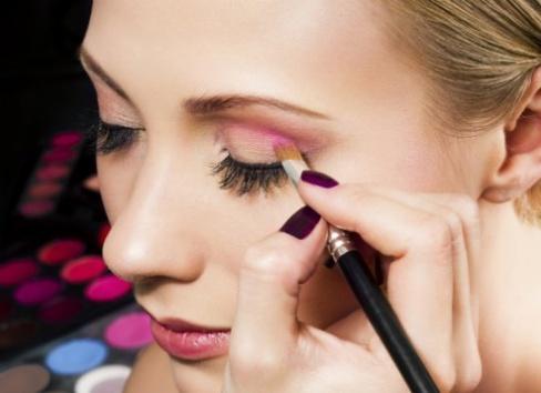 Советы по использованию туши и карандаша для глаз
