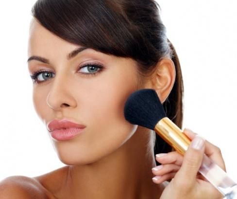 Красивый и естественный повседневный макияж