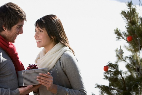 Как поздравить любимого мужа с годовщиной свадьбы?