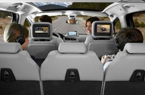 Осмотр автомобиля – важный пункт подготовки к путешествию