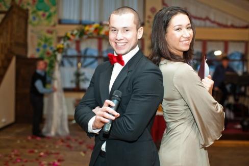 Выбираем тамаду на свадьбу: советы молодым