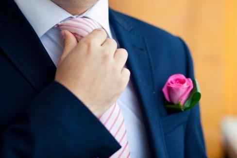 Как выбрать свадебный костюм жениху?