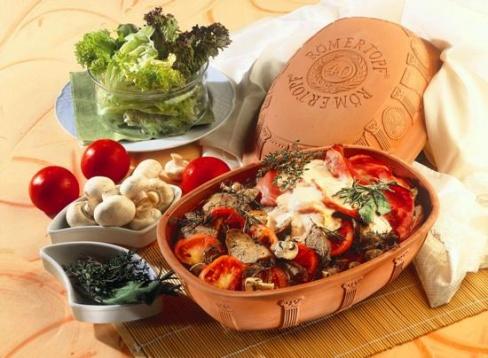 Приготовление еды в глиняной посуде