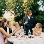 Как правильно рассадить гостей за свадебным столом