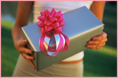 Правила выбора свадебного подарка