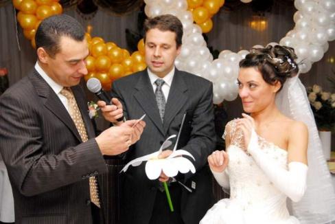 Выбираем тамаду на свадьбу