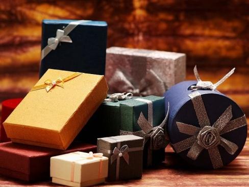 Что преподнести в подарок другу?