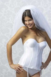 Выбор нижнего белья под свадебное платье